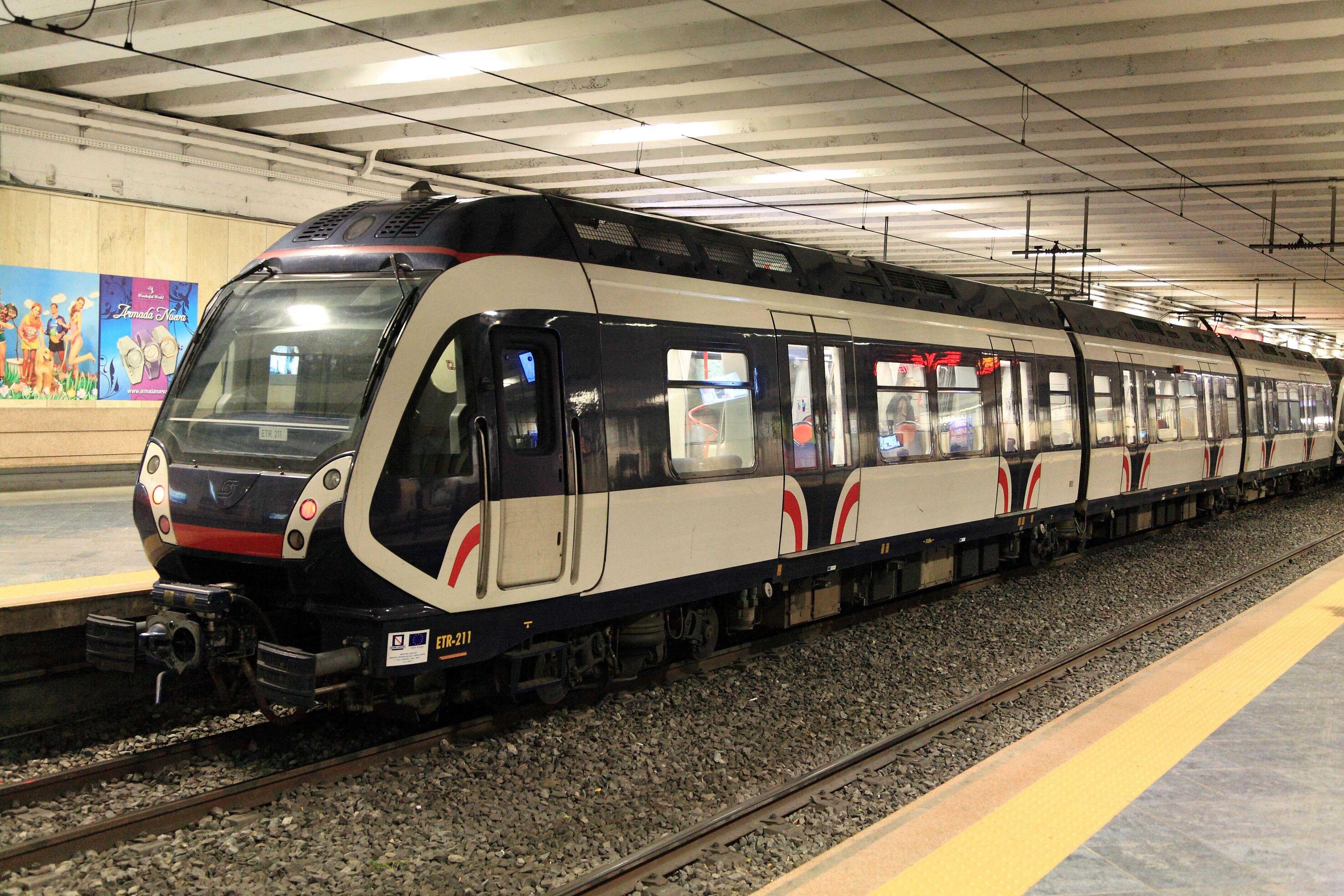 Campania - Tagli, inefficienze, servizi scadenti riducono i passeggeri: calano i pendolari